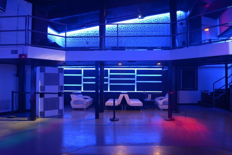 club_la_vela_vip_bottle_service_darkroom_downstairs