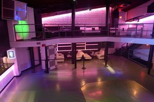 club_la_vela_vip_bottle_service_darkroom_upstairs_3