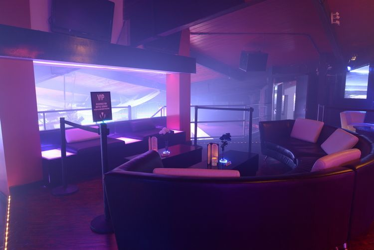 club_la_vela_vip_bottle_service_penthouse_1
